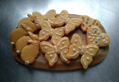 Easter zesty lemon biscuits